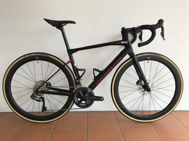 david_s_bmc_roadmachine_01_four